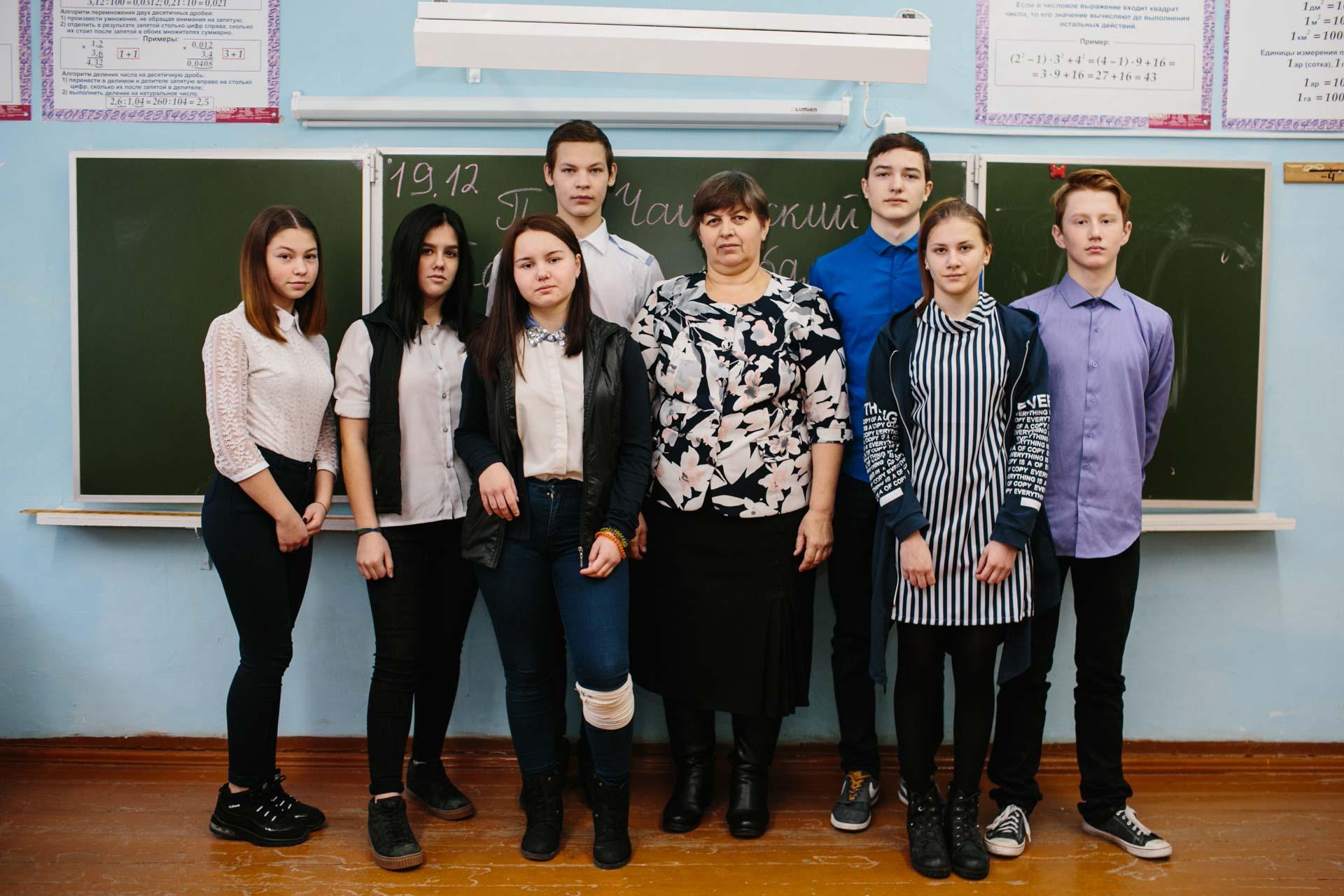 Учитель технологии и изо Макарьина Надежда Николаевна